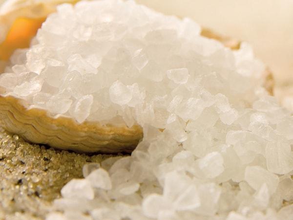 10 lợi ích từ muối biển giúp khỏe đẹp toàn thân