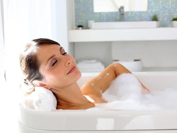 11 công dụng tuyệt vời của việc tắm nước nóng bạn nên biết 2