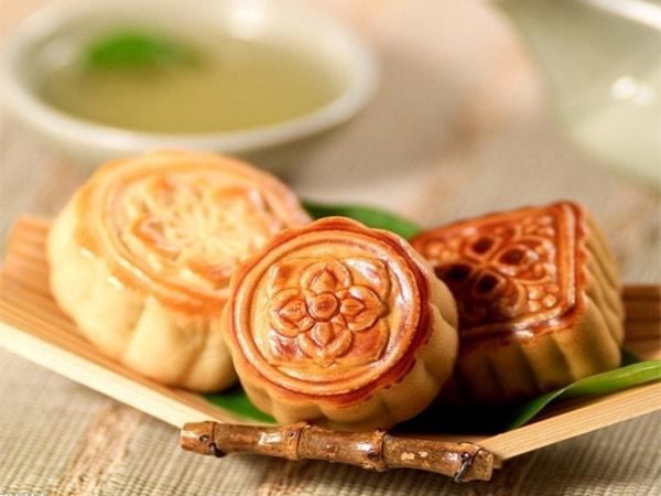 Mách bạn cách làm bánh Trung thu nhân đậu xanh đơn giản tại nhà
