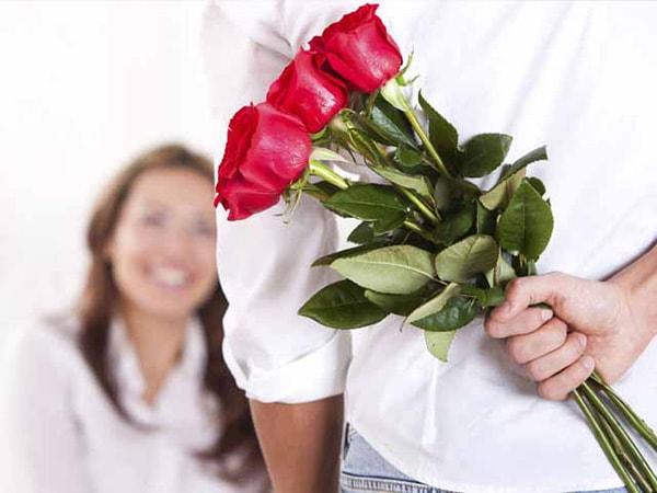 8 cu00e1ch tu1eb7ng hoa cho vu1ee3 ngu00e0y 8/3 cu1ef1c lu00e3ng mu1ea1n khiu1ebfn nu00e0ng ngu1ea5t ngu00e2y