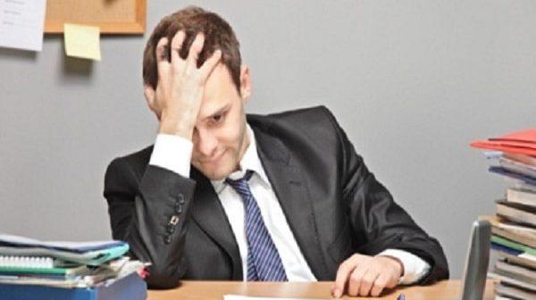Nguyên nhân, dấu hiệu và cách điều trị bệnh đãng trí ở dân văn phòng