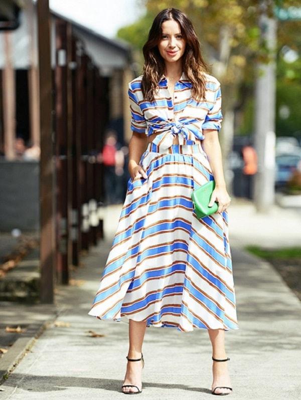 Váy lưng cao kết hợp với áo lửng