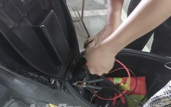 Có nhiều nguyên nhân khiến xe máy không thể lên điện