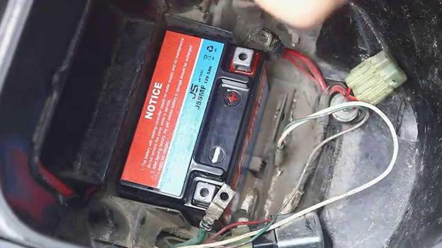 Cách khắc phục khi xe máy không thể lên điện