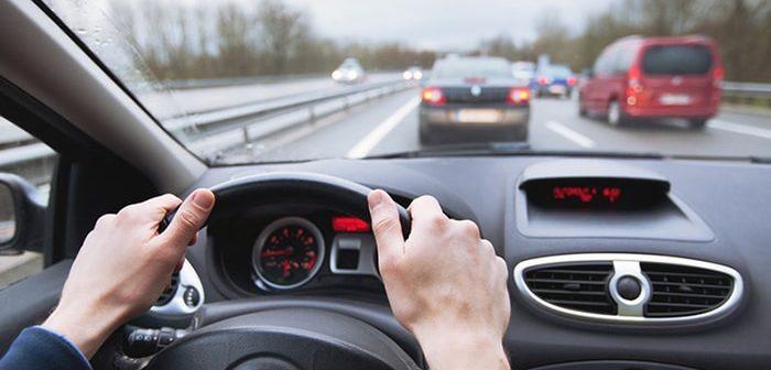 Những quy tắc lái xe ô tô an toàn bạn cần phải nắm rõ