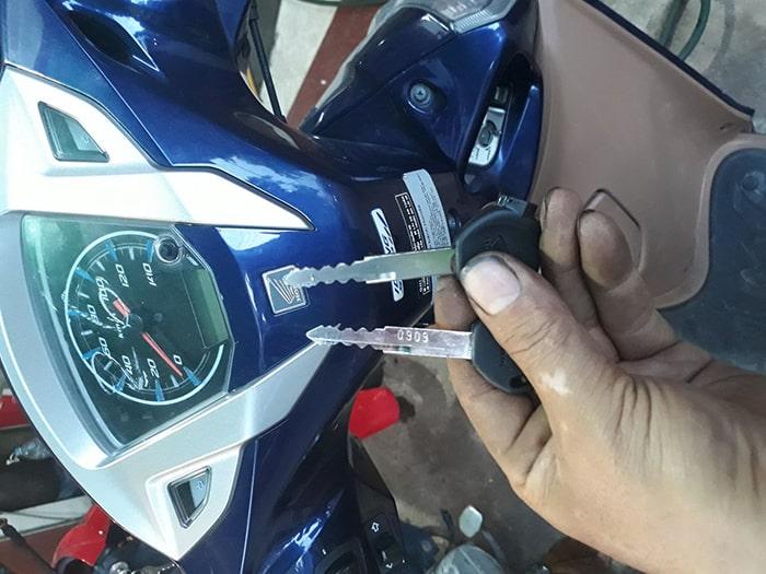 Tốc độ làm khóa xe máy nhanh