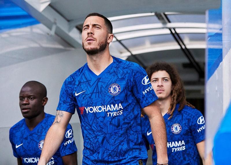 Mẫu áo bóng đá thứ 3 đầy phá cách của Chelsea mùa giải 2019