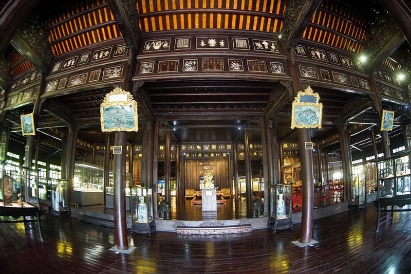 Điện Long An - Bảo tàng Cổ Vật Cung đình Huế