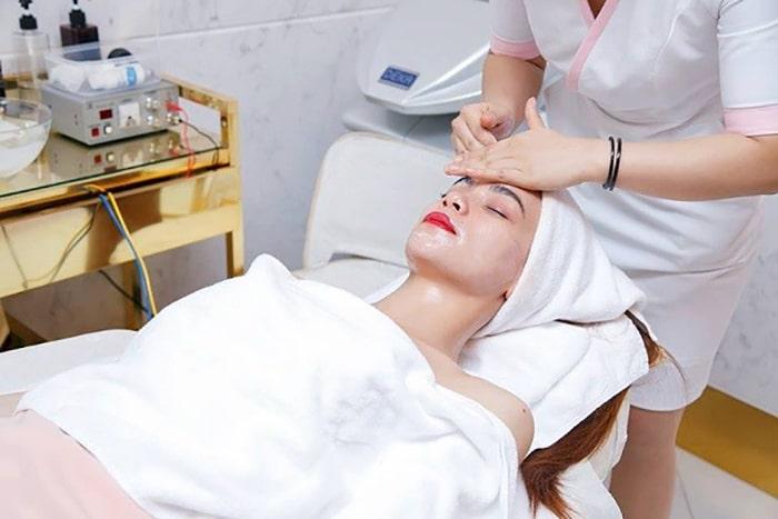 Học theo cách chăm sóc da của Hồ Ngọc Hà5