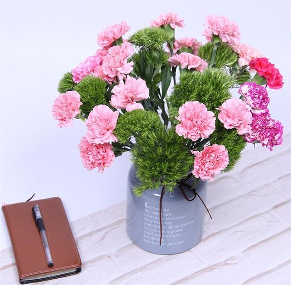 Những lưu ý và cách bảo quản hoa cắt cành